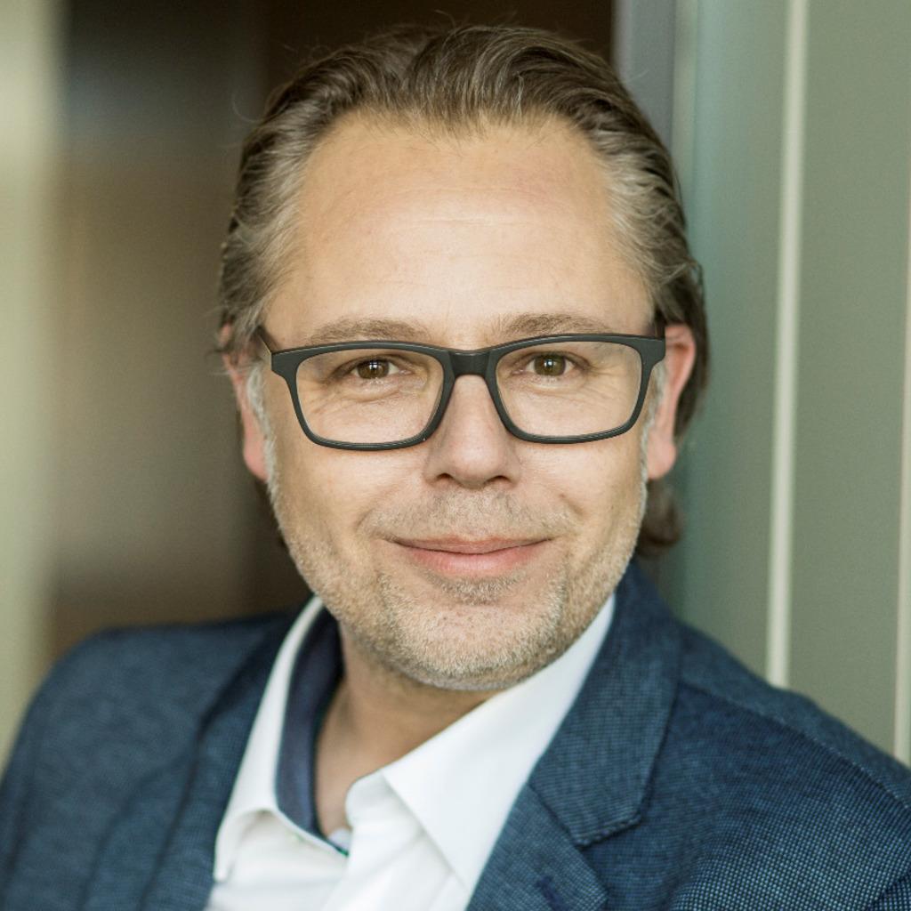 Michael munz vertriebsleiter innendienst amc - Fensterbauer frankfurt ...