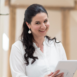 Dr. Tanja Bernsau