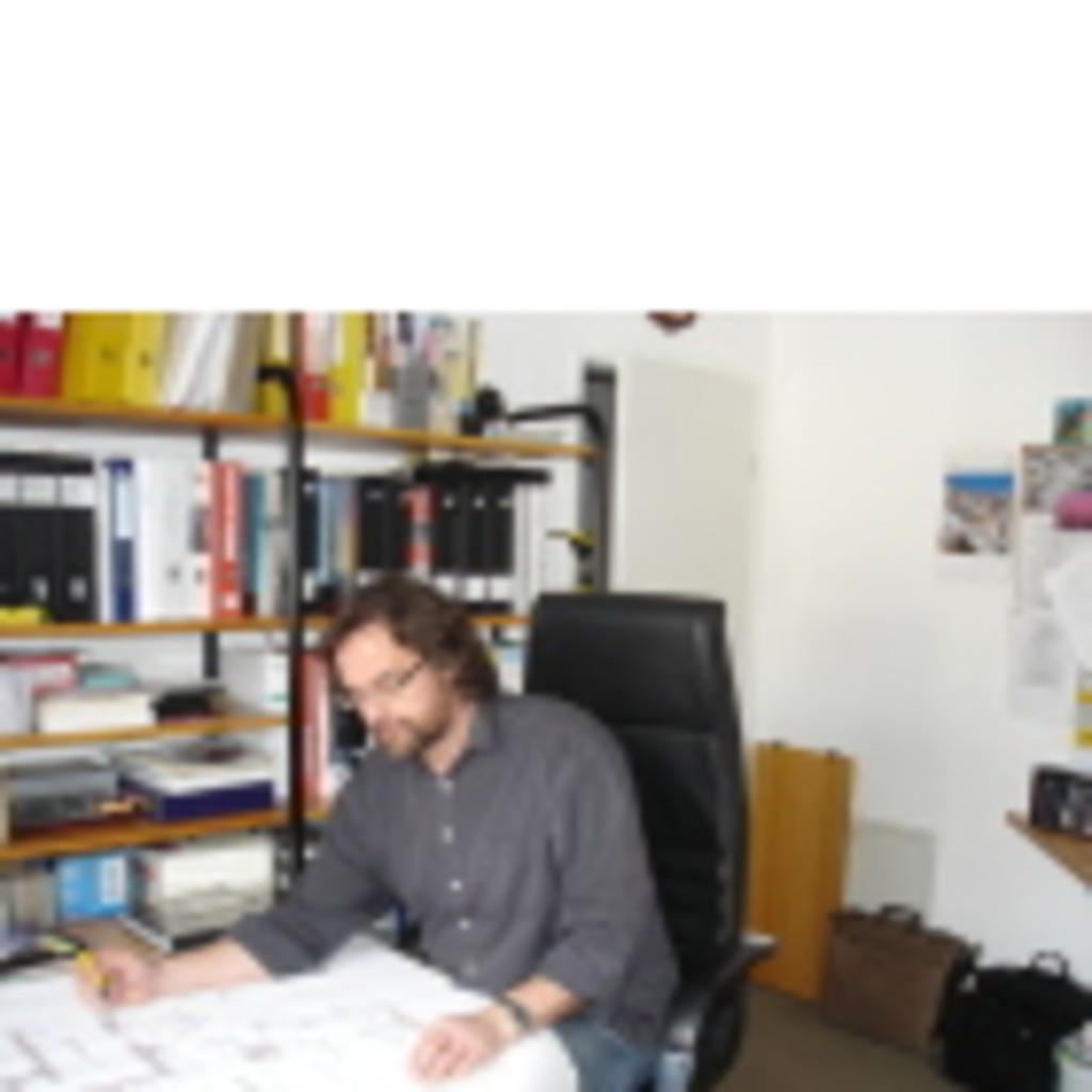 Matthias reiher innenarchitekt creative laden und for Suche innenarchitekt