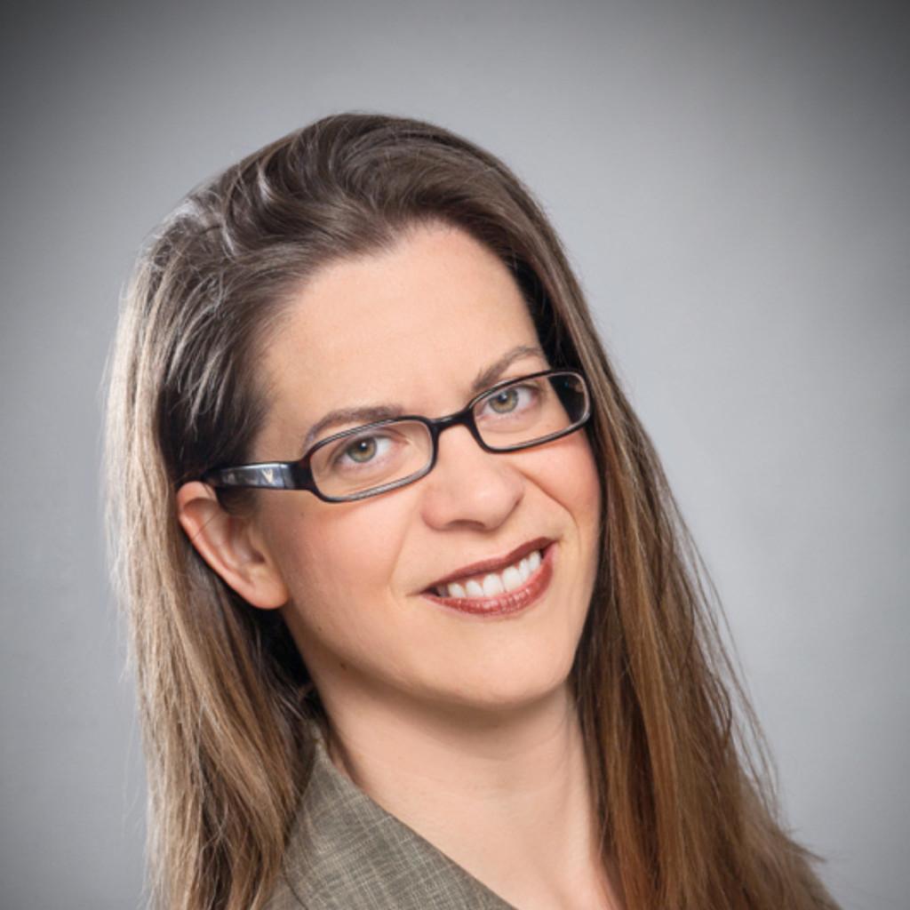 <b>Natasha Wright</b> - EMEA Marketing Manager - Level 3 Communications | XING - carmen-till-foto.1024x1024