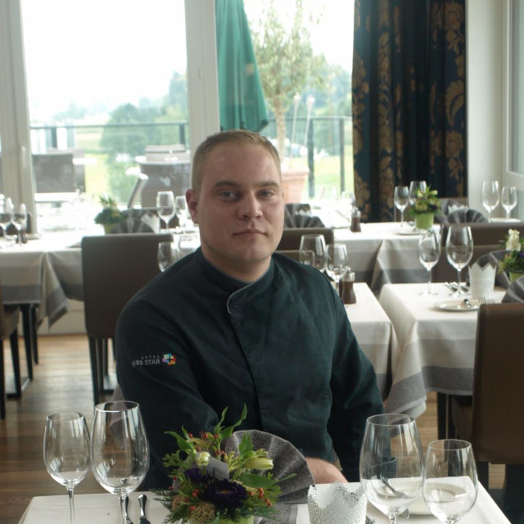 Sascha behrendt k chenchef 4 sterne hotel in z rich for Koch 4 sterne