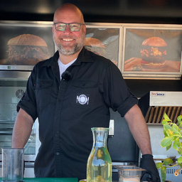 Sven Doliwa - MAIN COURSE Food Truck - Rödermark