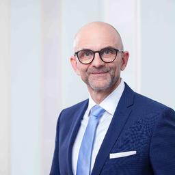 Dirk Brauers - DekaBank Deutsche Girozentrale - Frankfurt