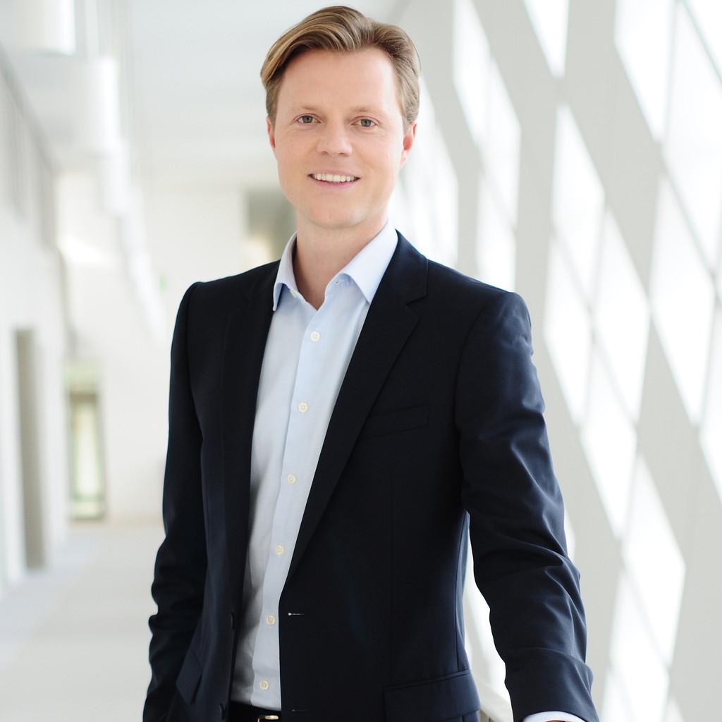 Schramm München julian schramm business analyst bearing point business