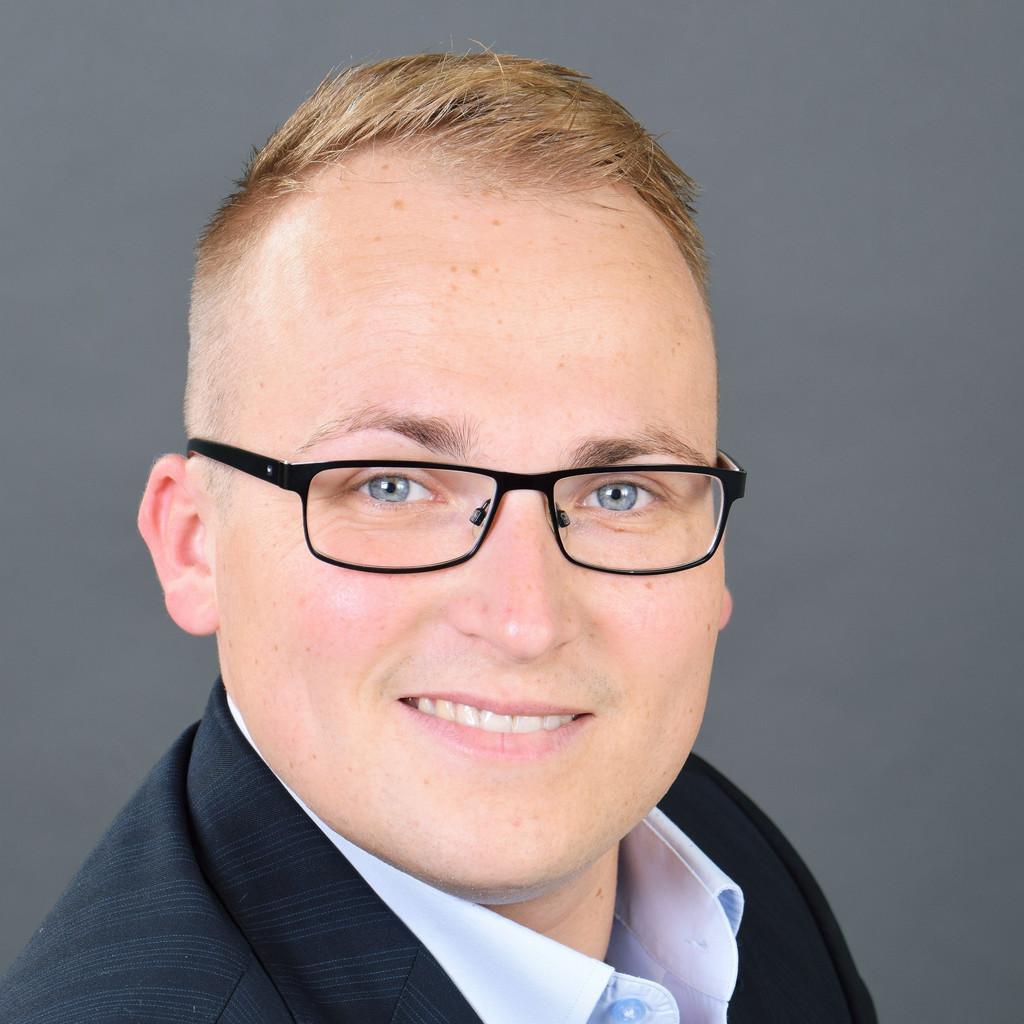 <b>Tobias Lück</b> - Projektmanager - smk systeme metall kunststoff gmbh &amp; co. kg   ... - tobias-l%C3%BCck-foto.1024x1024