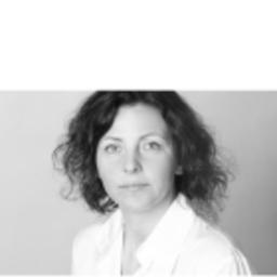 leonie rhiel head of business analysis c r deutsche bank xing. Black Bedroom Furniture Sets. Home Design Ideas