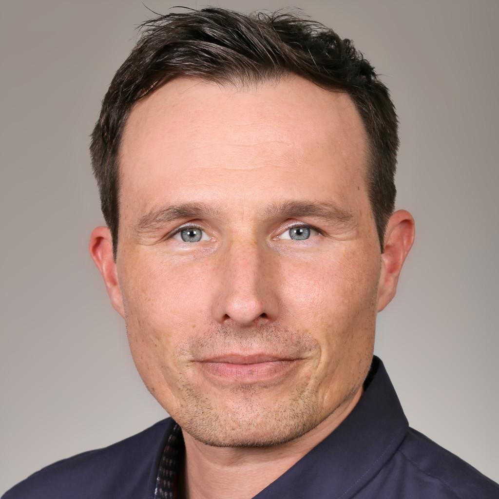 Sven Schmidt Leiter Produktion F R Tech Schneidprodukte