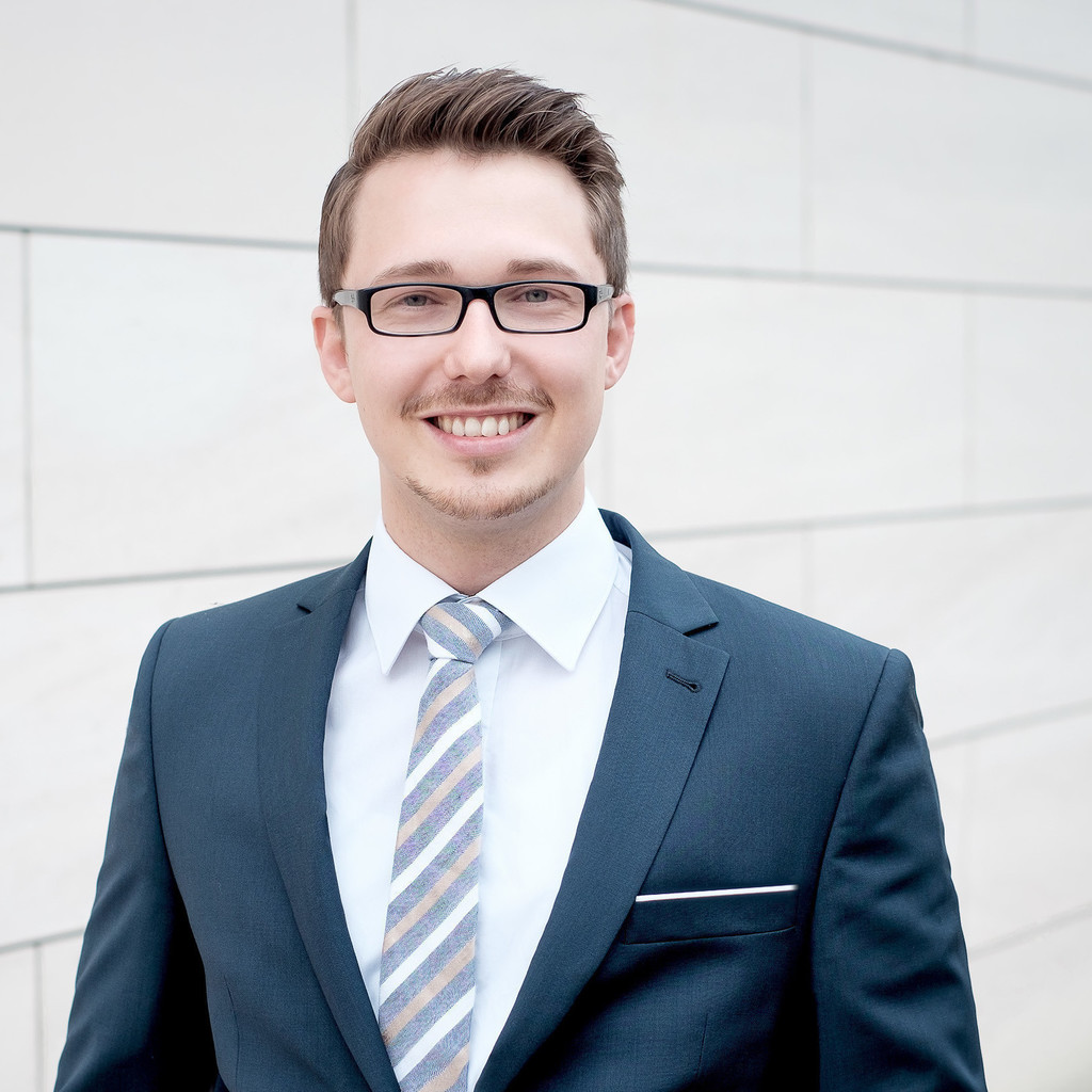 Andreas cramer underwriter transportversicherung for Cramer hamburg