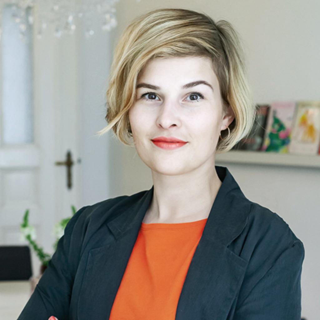 Katharina pahl art director office management berlin for Art director jobs berlin