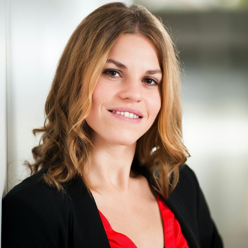<b>Lisa Stern</b> - Team Gesundheitsförderung - Tiroler Gebietskrankenkasse | XING - lisa-stern-foto.1024x1024