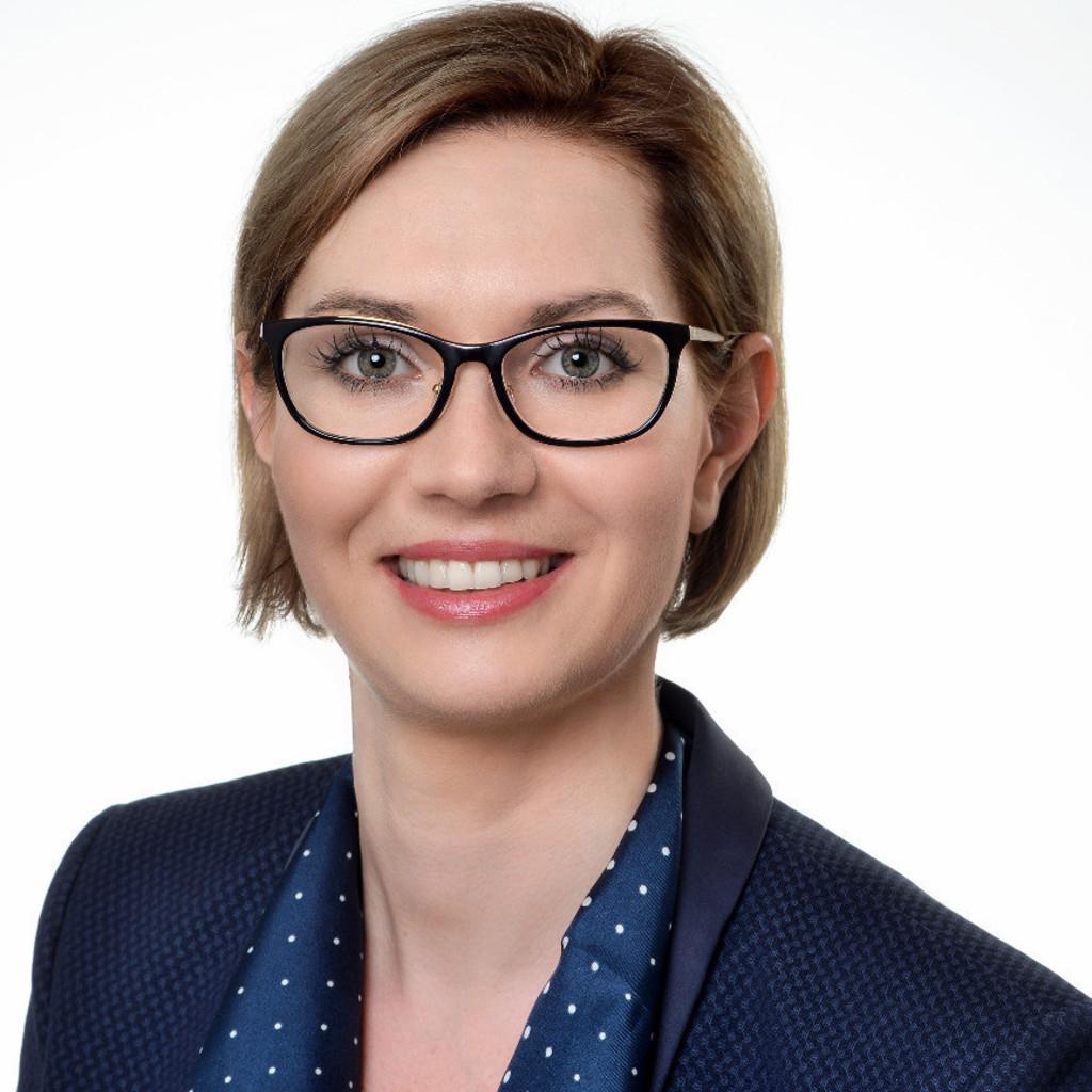 Julia Jäger - ERGO Gruppenversicherungsbeauftragte - ERGO