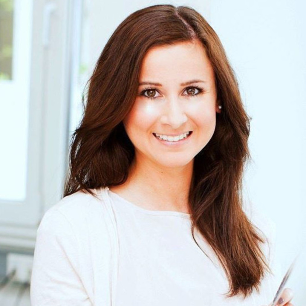 Simona Simon, McCann PR, reprezinta Romania in juriul