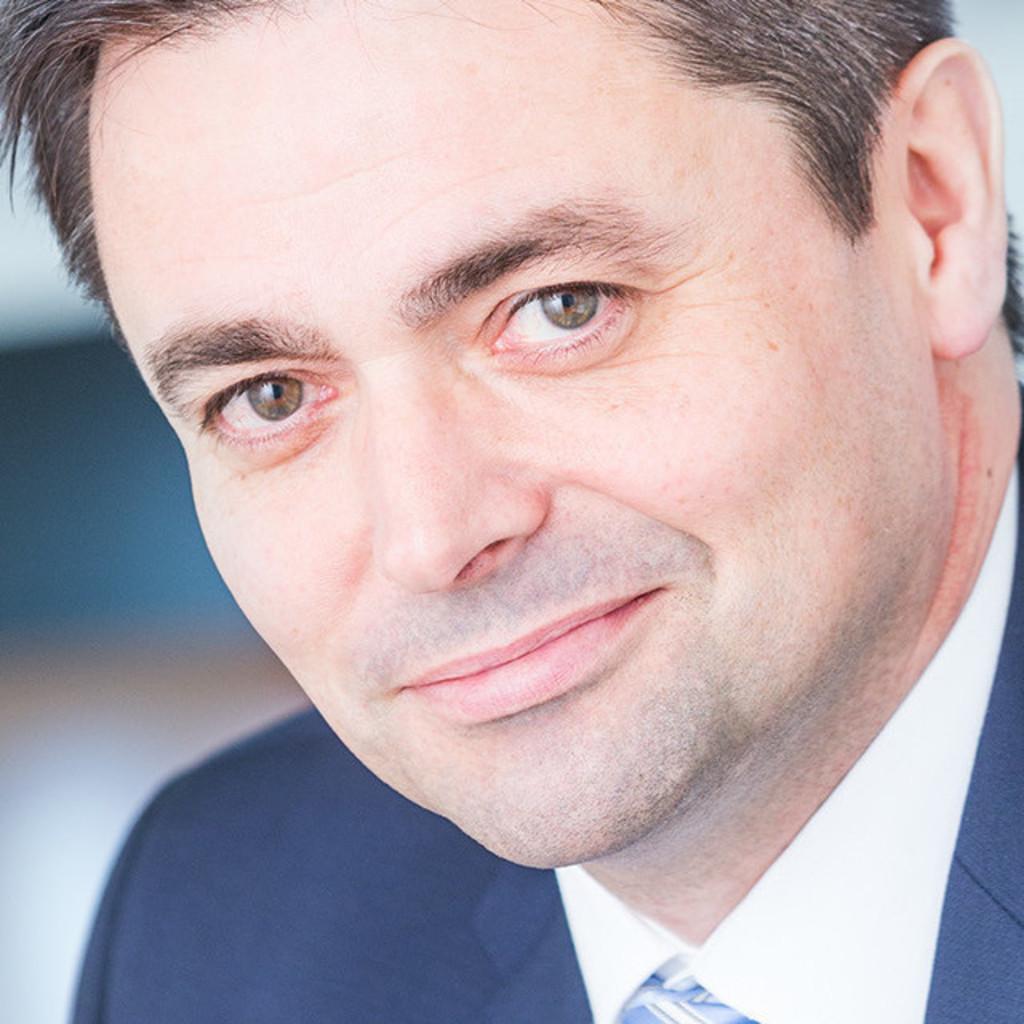 Frank Wache Relationship Manager Erdmann Financial