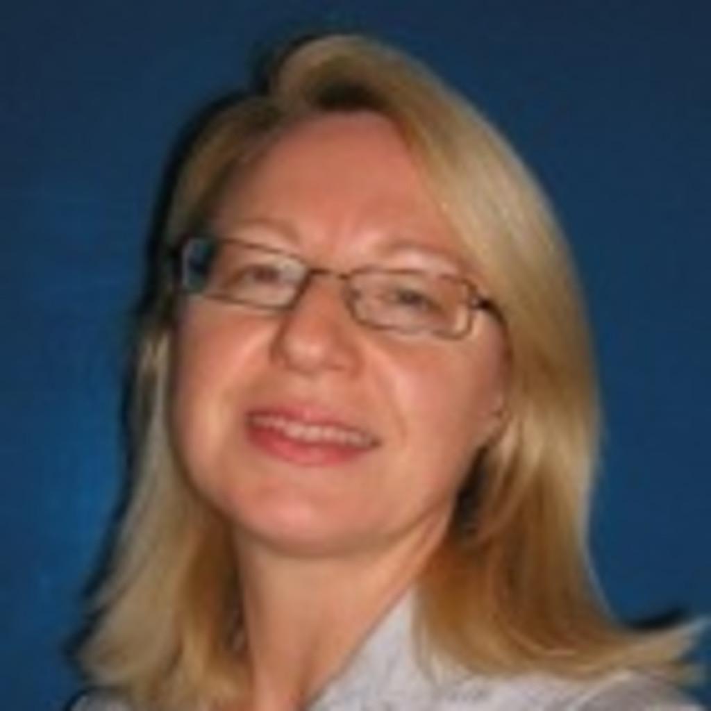 <b>Martha Maria</b> Valek - Assistentin des Verkaufsdirektors - GM Austria | XING - martha-maria-valek-foto.1024x1024
