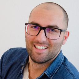 Christopher Wagener - vjsual   YYM Media Solutions GmbH - Berlin