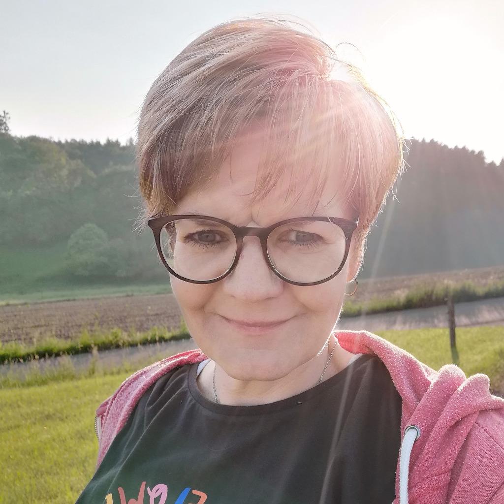 Tina Heinz - Sekretärin - Universität Siegen   XING