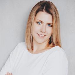 Vanessa Peck Social Media Und Content Managerin Neuhaus Lighting