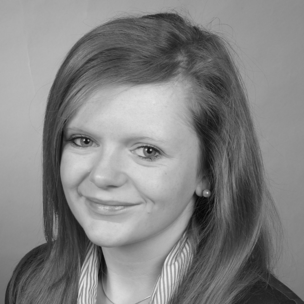 Laura schmitt leitung kommunikation pressesprecherin for Grafikdesigner ausbildung frankfurt