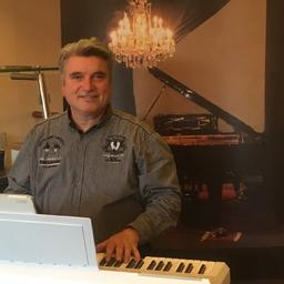 Christian Werner - Pianist, Keyboarder, Sänger, Liedermacher, Arrangeur, Musikproduzent, - Braunschweig