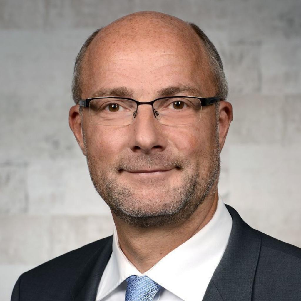 Dr. Kunstmann