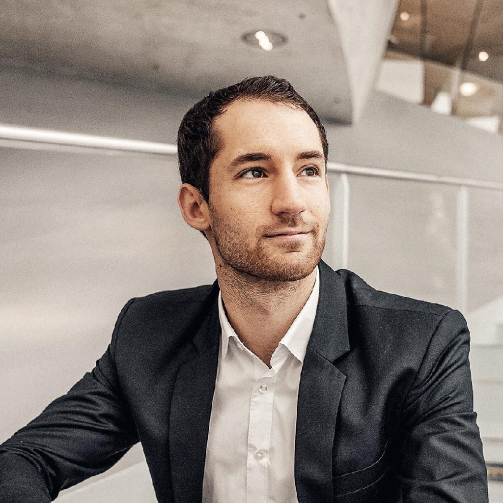 Marcel jurna junior consultant mercedes benz inhouse for Junior consultant
