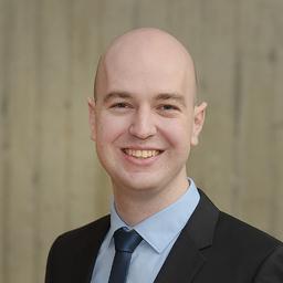 Dr. Matthias Carnein