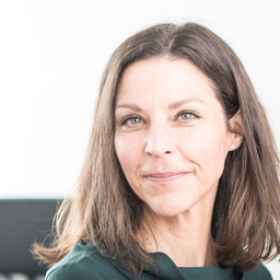 Claudia Schulte zur Hausen - Pape & Co. Steuerberatung Wirtschaftsprüfung - München