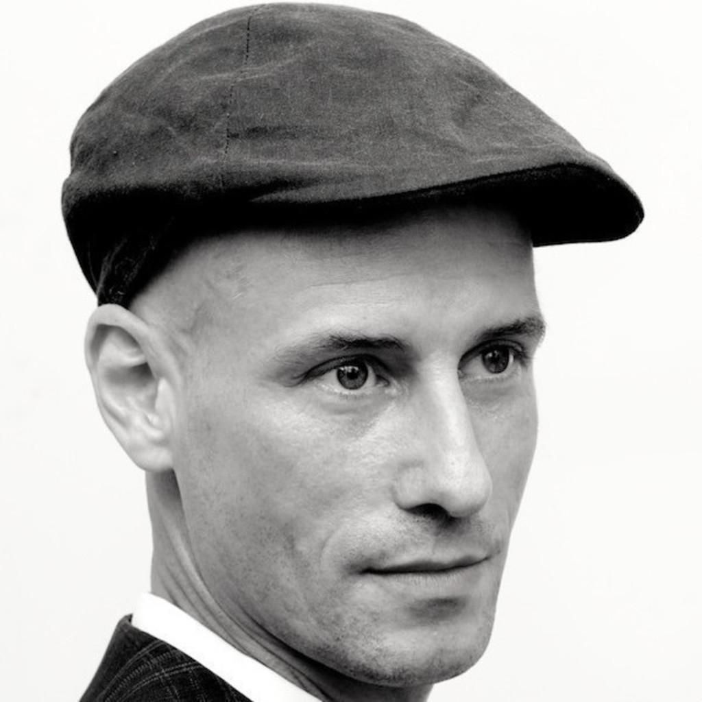 Nik Schweiger Inhaber Innenarchitekt Barefoot Bros