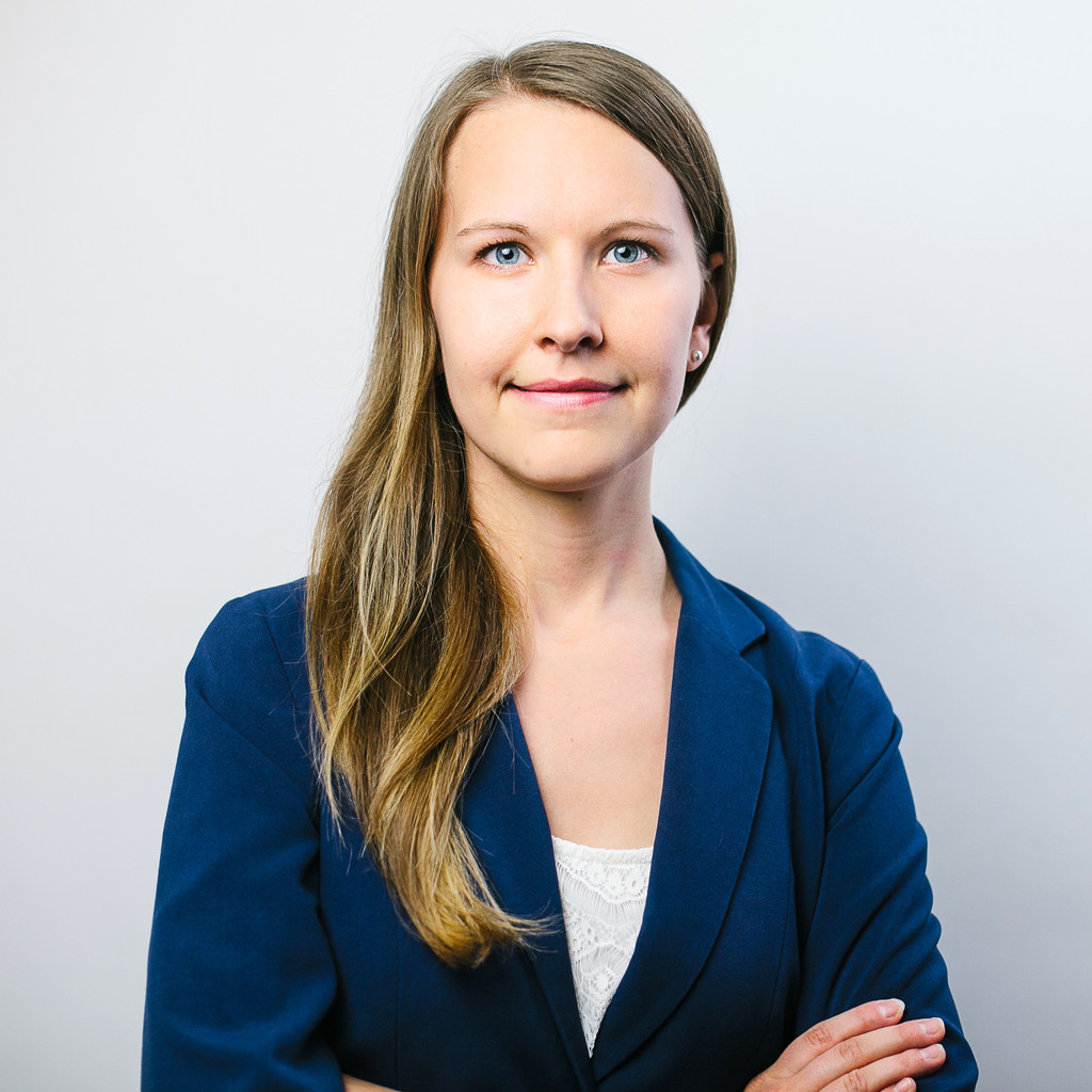 the best attitude 83e6d b410e Michaela Schuhmayer - Online Marketing Manager - TU Career ...