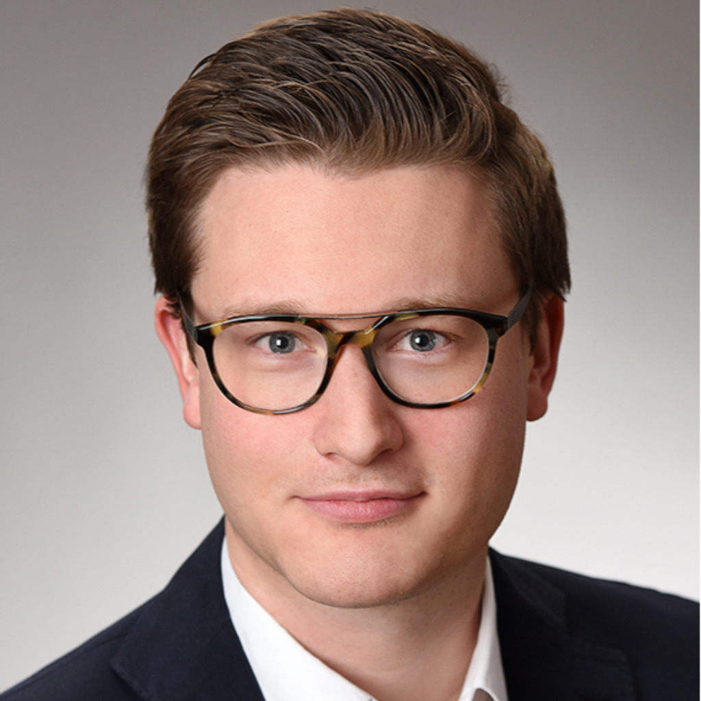 Maximilian sch ler junior consultant the boston for Junior consultant