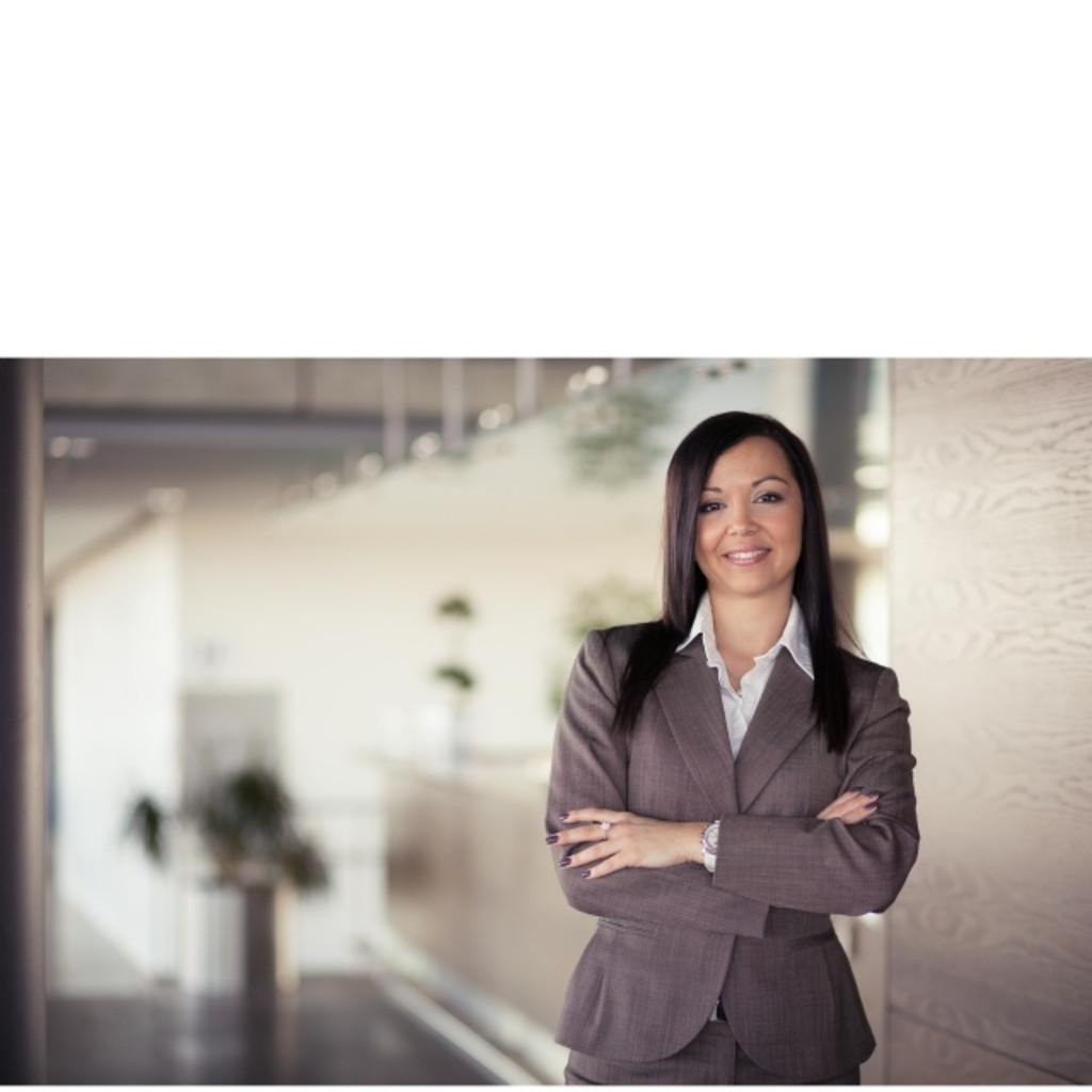 Janet Bursa Store Manager Svenson Haar Studios Gmbh Xing