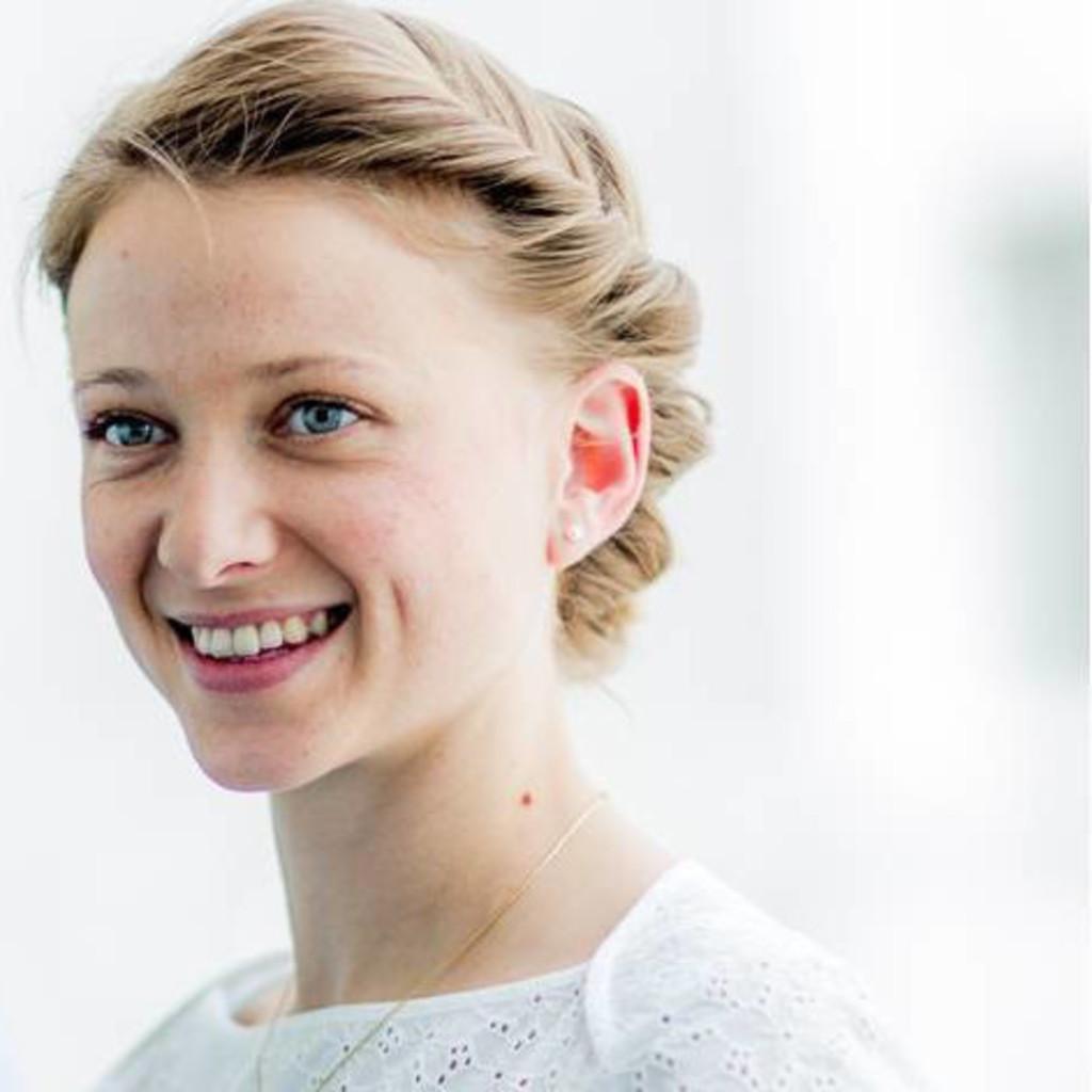 Charlotte Claassen - Produktmanagerin Colours - DöhlerGruppe | XING