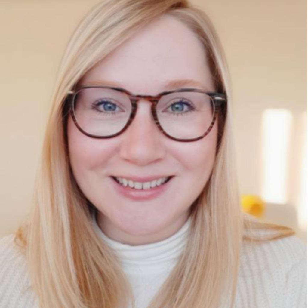 Julia Rmermann Hr Business Partner Ausbildungsleiterin Frosta Black Ag Xing