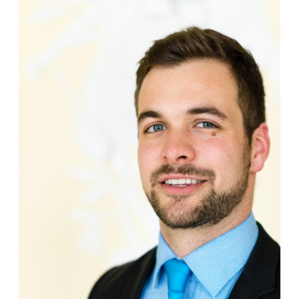Max riewe junior consultant horv th partners for Junior consultant
