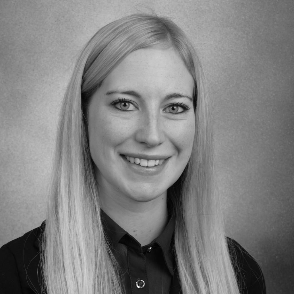 Lisa Kraft Master In Automotive Management Hochschule Fur