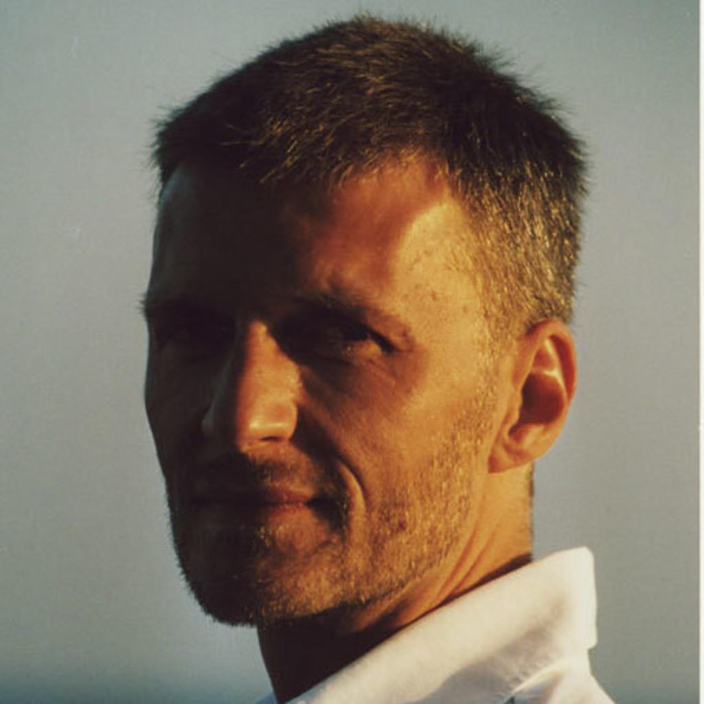 Uwe Meyer uwe meyer filemaker datenbank programmierer pme familienservice