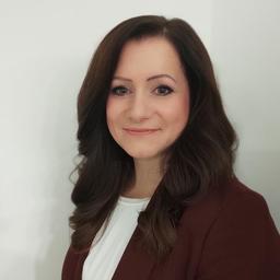 Dr. Nadine Neshau