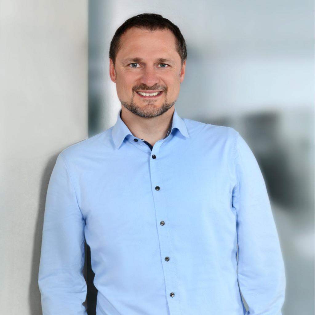 ... : Prof. Mang verkauft Schloss Altenburg an Schönheitschirurg Meyer
