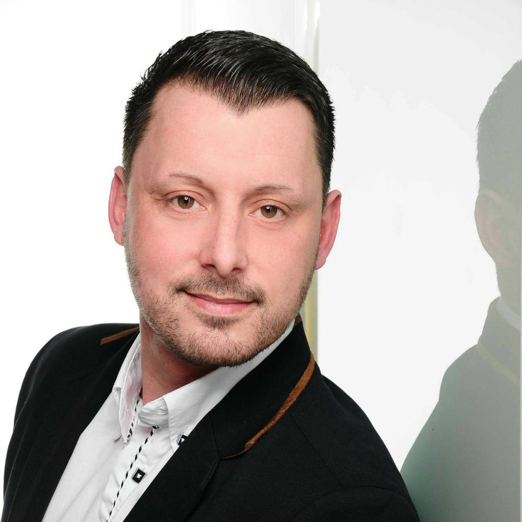 Jens Lehmann in der Personensuche von Das Telefonbuch