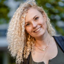 Rebecca Albrecht Marketing Vertrieb Kuchem Konferenz Technik