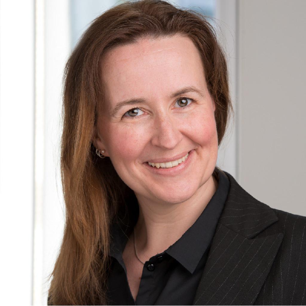 Dipl ing jasmin meinhardt senior processmanager for Bekannte innenarchitekten
