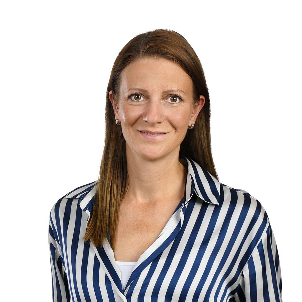 Julia Born's profile picture