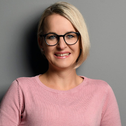 """Juliane Benad - Mehr Sichtbarkeit und Reichweite mit Social Media """"www.juliane-benad.de"""" - Maintal"""