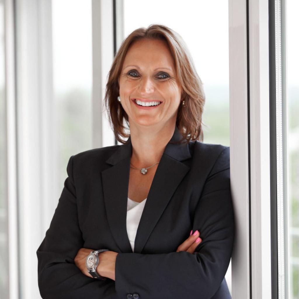 Marina Neuhaus - Geschäftsführerin - Kern-Haus AG | XING