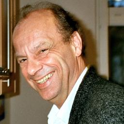 Dr. Burghard Flieger