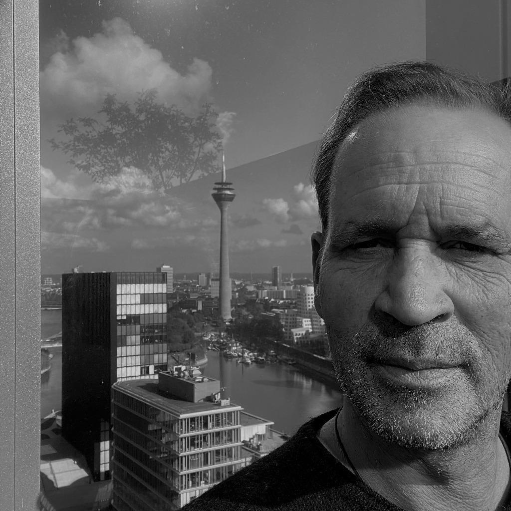 Peter eichenauer senior partner imcura management gmbh for Wohndesign peter sandriesser gmbh