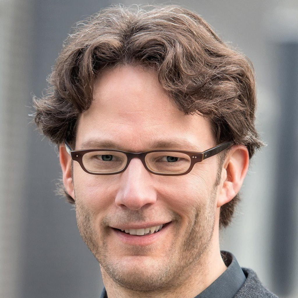 Dr. Michael Freitag