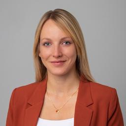 Eva Peter - SThree - München