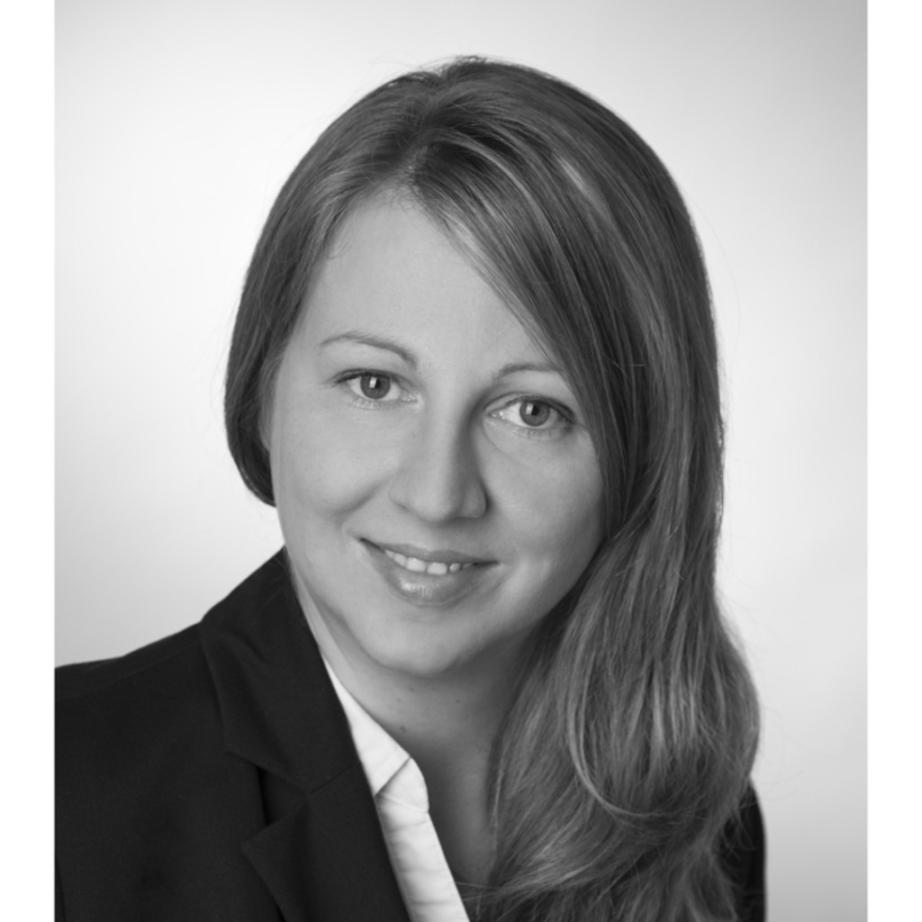 <b>Manuela Adam</b> - Senior Balance Sheet Accountant - Raiffeisen Zentralbank ... - manuela-adam-foto.1024x1024
