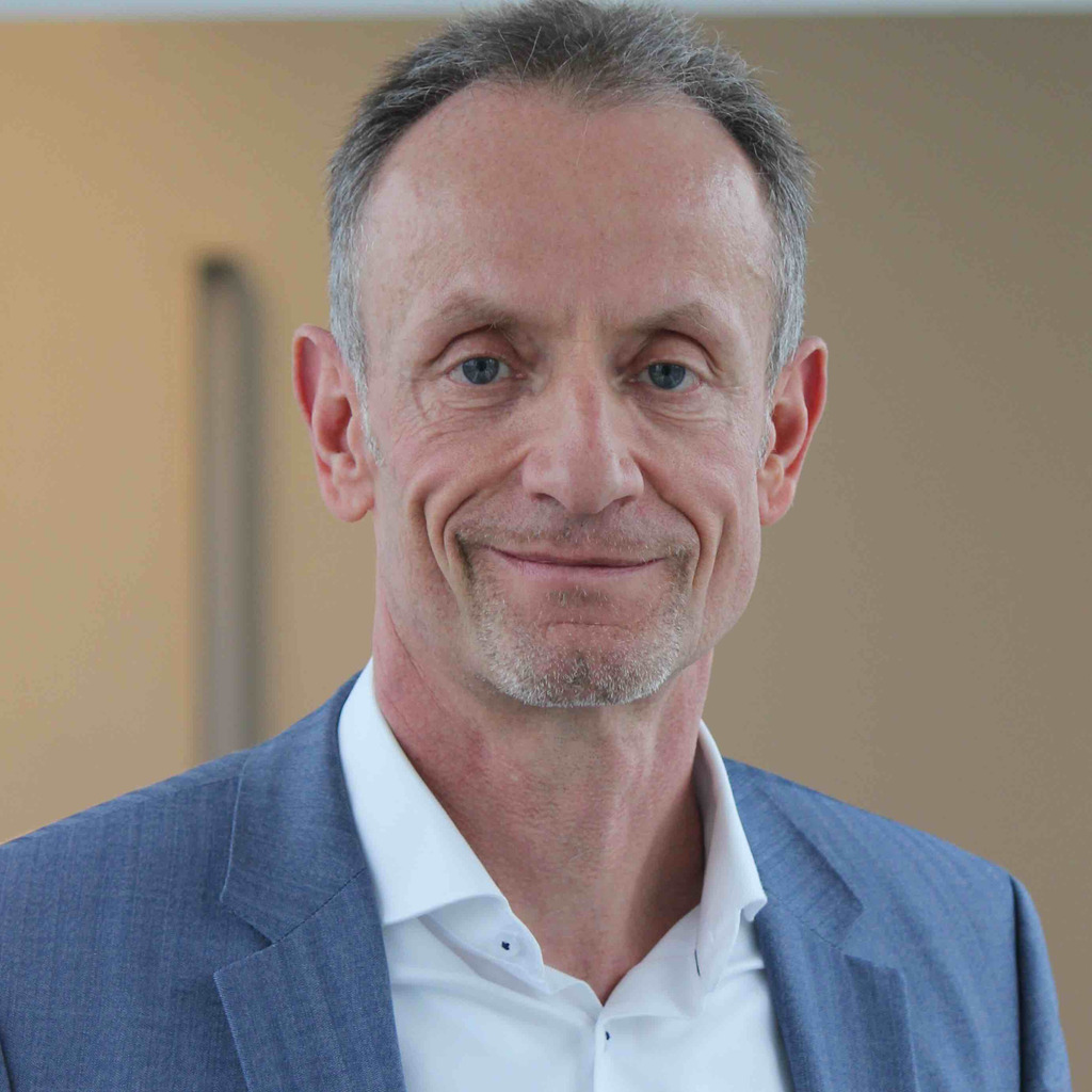 <b>Volker Johanning</b> - Strategieberater und Autor - <b>Volker Johanning</b> Management ... - gernot-dern-foto.1024x1024